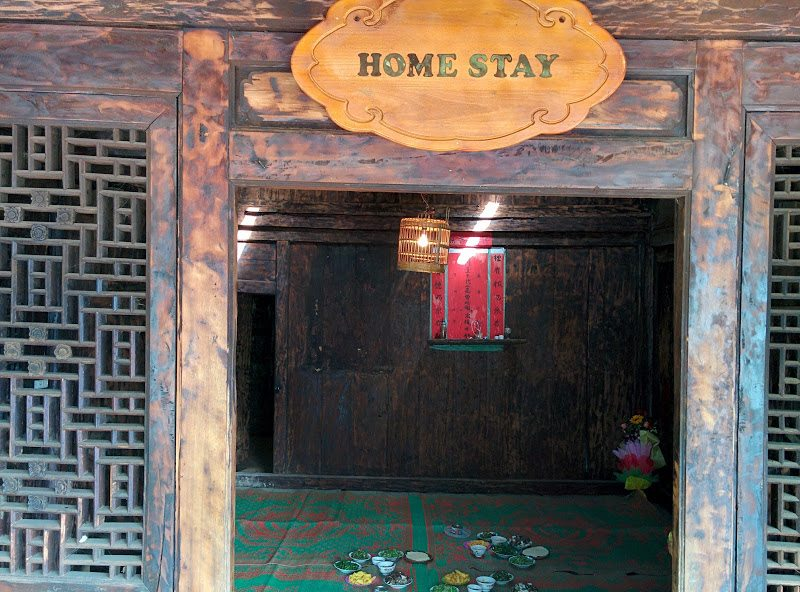 ma le homestay sign