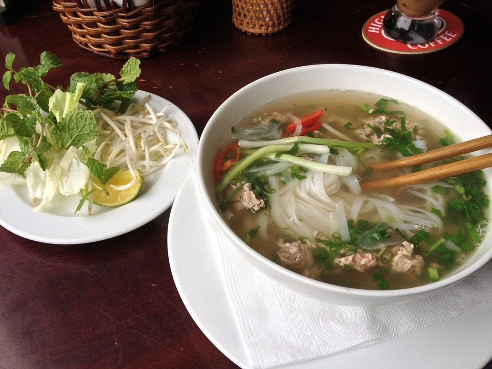 pho bo - 10 local foods not to miss while in Vietnam